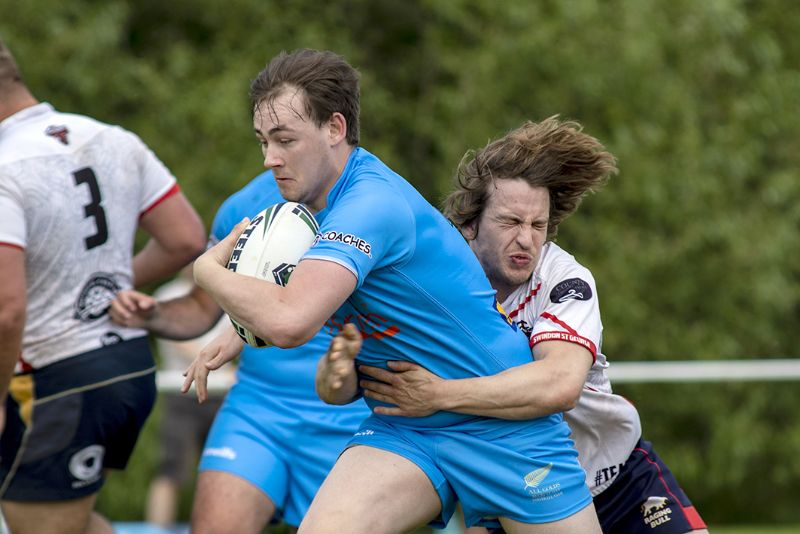 Joe Uren looks to make ground for the All Golds. Picture, Lewis Mitchell Photography